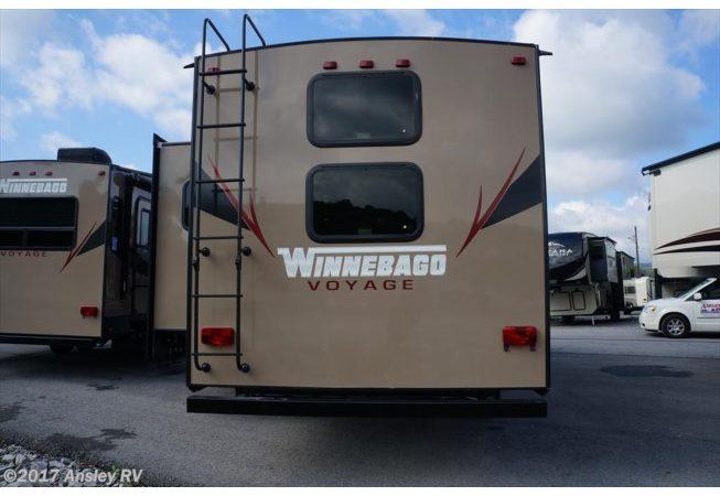 Winnebago Voyage 28RDB-05