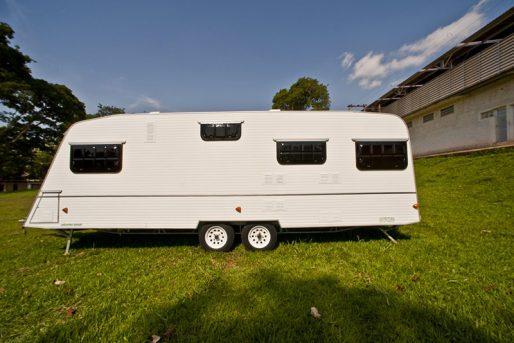 itutrailer-trailer-nacionais-trailer-cisne-foto2
